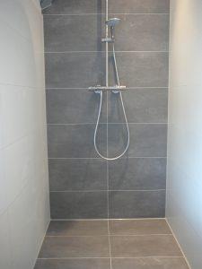 Kitranden badkamer vernieuwen Breda