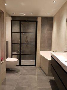 Kitranden badkamer vervangen